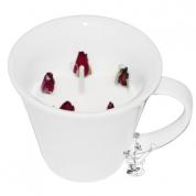 ROZE ar VETIVĒRIJU un VĪRAKU: sojas EKO-vaska aromātsvece krūzītē, ar Damaskas rozes, vetivērijas un vīraka ēteriskām eļļām un rožu pumpuriem