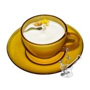 TĒJA AR CITRONU: sojas vaska svece dzintarkrāsas tasītē, ar apelsīna un citrona ēteriskajām eļļām
